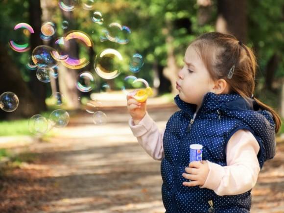 Zašto je važno da deci dopustite da budu maštovita?
